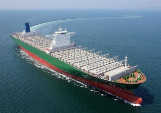中国将建造四艘世界上最大的集装箱船